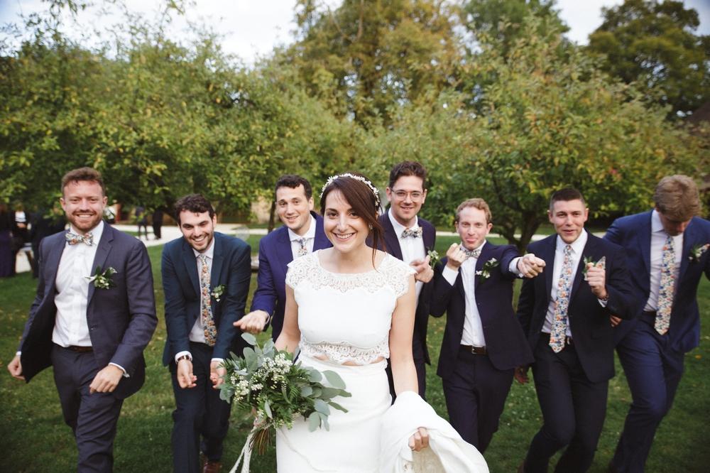 03-la-femme-gribouillage-commanderie-dormelles-photographe-mariage-bordeaux (31).jpg
