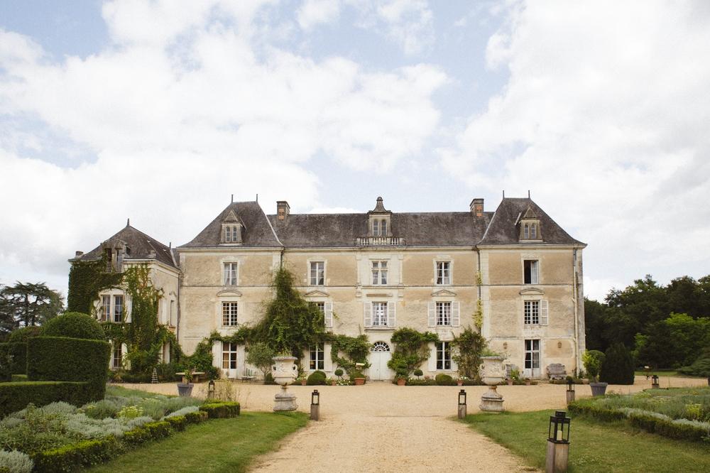 01-la-femme-gribouillage-chateau-chambiers (2).jpg
