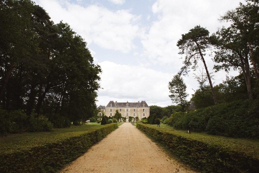 01-la-femme-gribouillage-chateau-chambiers (1).jpg
