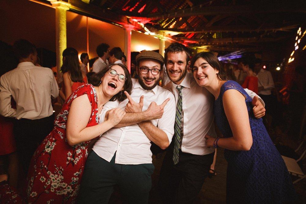 la-femme-gribouillage-reception-mariage-en-plein-air (4).jpg
