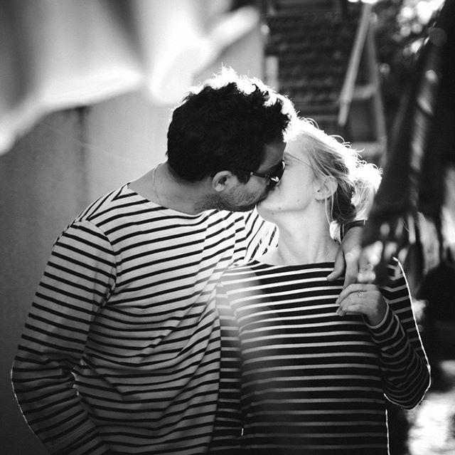 🎶 C'est l'amour à la plage ... J & JB, parfaitement assortis pour une balade sur le #bassinarcachon 💜