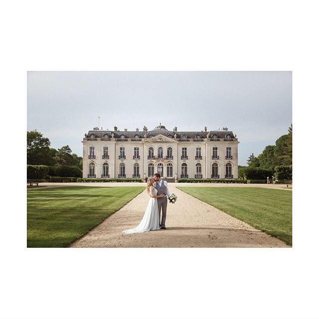 First preview of my last real wedding with a French-English couple J&C  @chateaupontchevron , one of the most beautiful venue I've photographed. What a day...! Coming soon !
