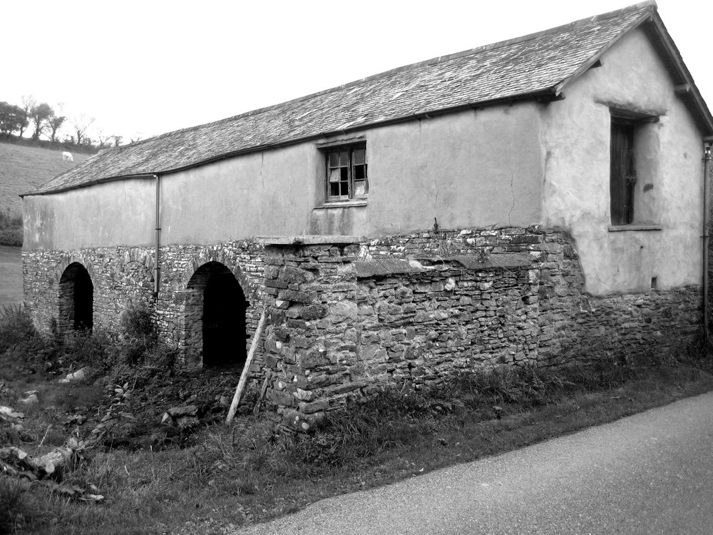 upcott farm calfshed bw.jpg