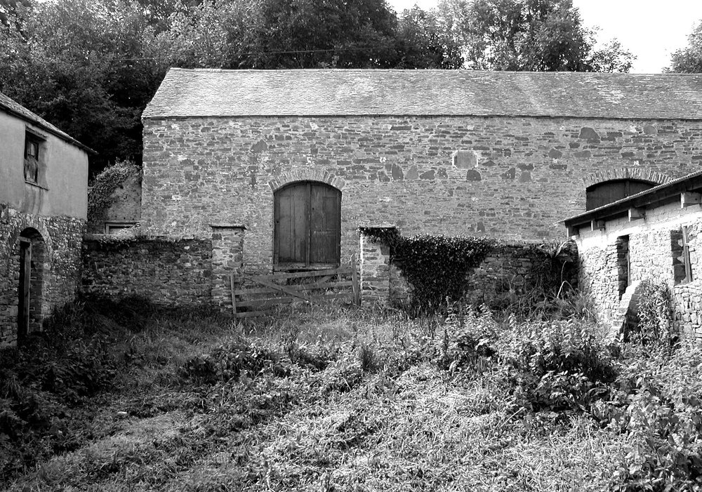 upcott farm courtyard bw.jpg