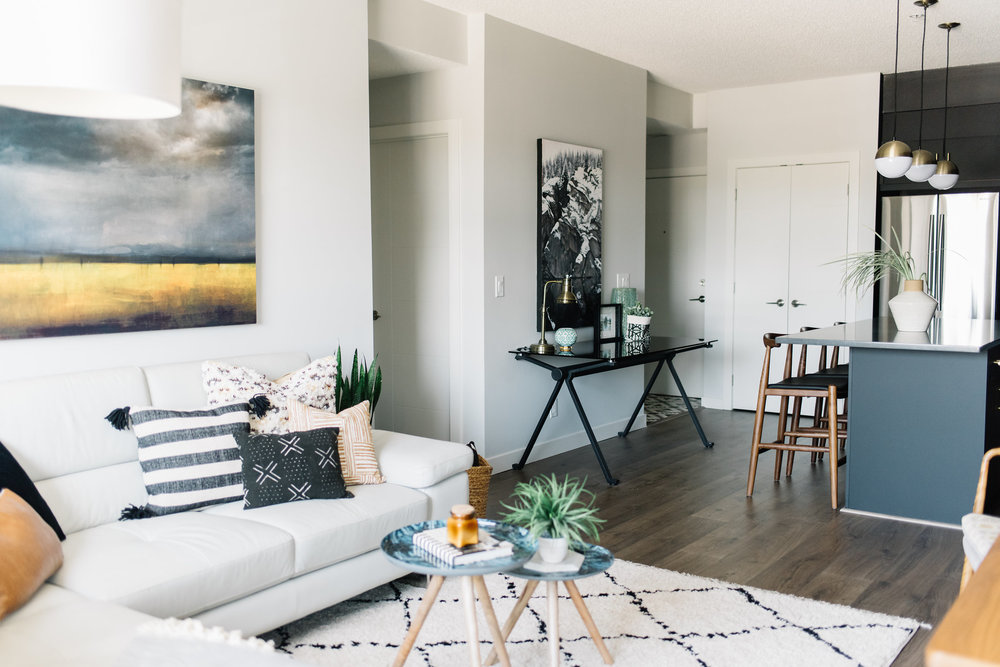 mid century modern, eclectic living room