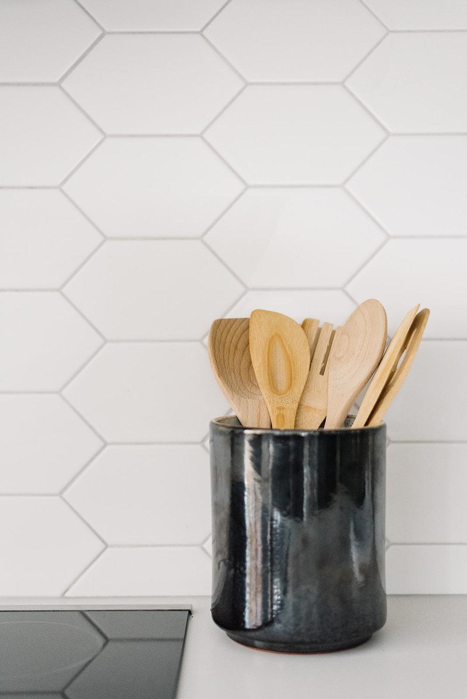 hexagonal kitchen backsplash