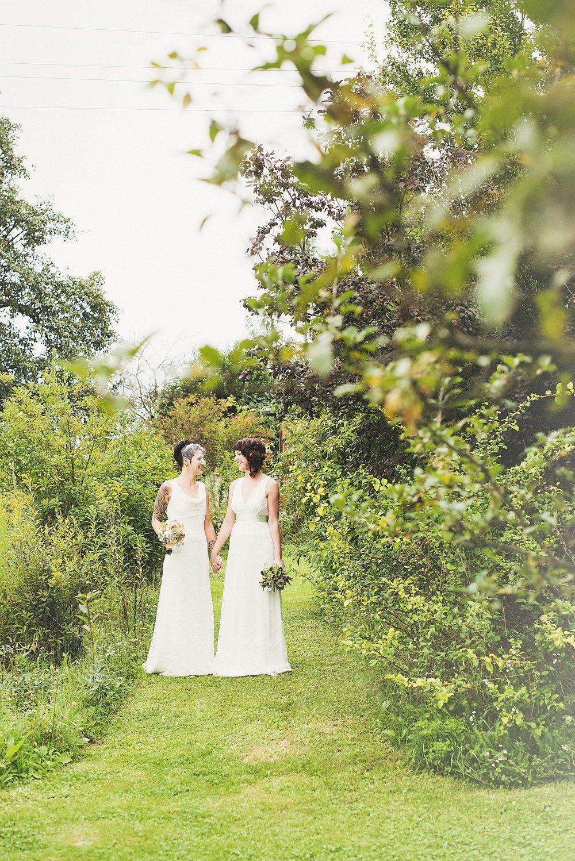 Two brides - styled shooting - die Träumerei -037.jpg