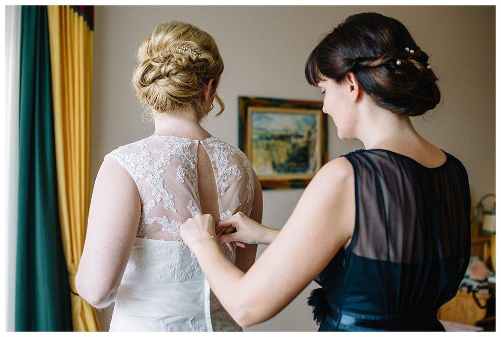 T & M - real wedding - Museum Mistelbach -017.jpg
