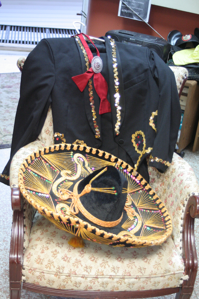 costumeshop236-mariachi.jpg