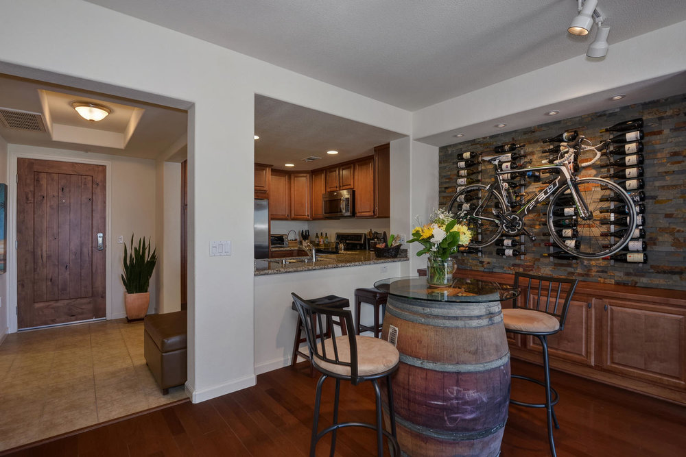 809 Auzerais Ave 419 San Jose-large-005-Entry Kitchen and Wine Display-1500x1000-72dpi.jpg