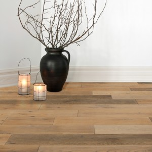 08-hardwood-floorboards-by-exquisite-surfaces-for-european-oak-flooring-with-vase-and-candle-holders-also-baseboard-an-interior-paint-color-for-home-interior-design-plus-living-room-decoration-ideas-300x300.jpeg