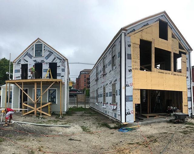 Today's progress shot of 205 & 211 Thames Street! 🛠 . . . . #construction #harborsideholdings #bristolri #thamesstreet #renovation #historicpreservation #exteriordesign #exterior