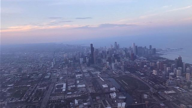 Touching down just long enough to catch the sunset over Chicago. 🦄