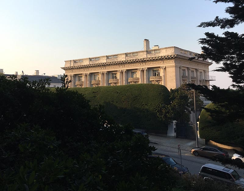 The romance novelist Danielle Steel lives a few blocks away from Nicolas Cage's old San Francisco house.