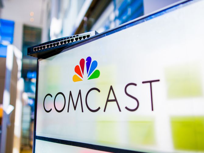 comcast-logo-and-cable-box.jpg
