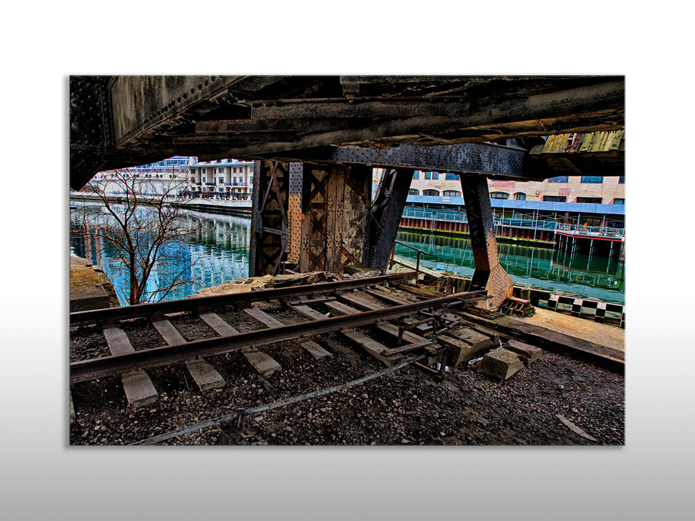 Under Kinzie St Bridge.jpg