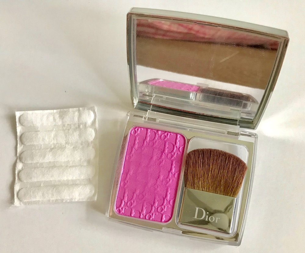 How to pack makeup so it doesn't break