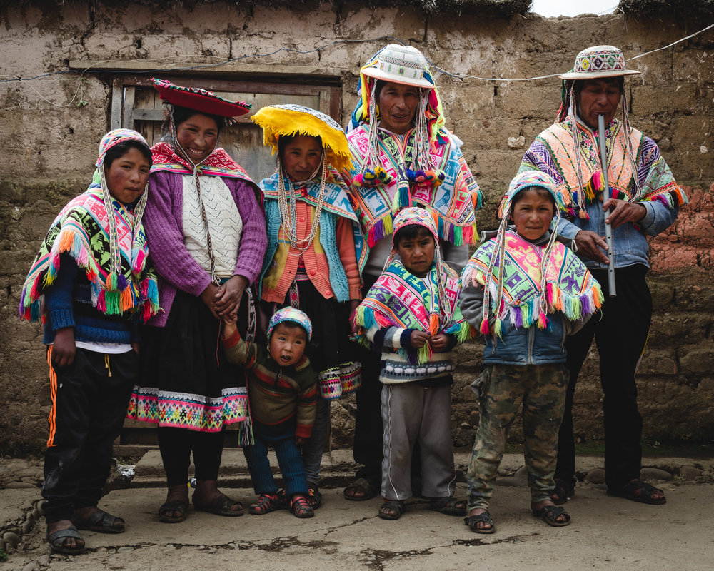 the faces of peru full day tour - Photo Expedition