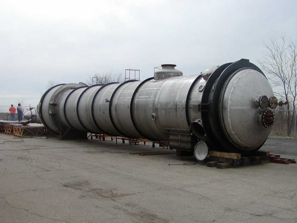 Large Shell and Tube Heat Exchanger for the Plastics Industry