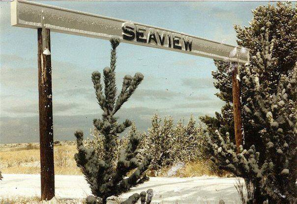 Seaview sign old.jpg