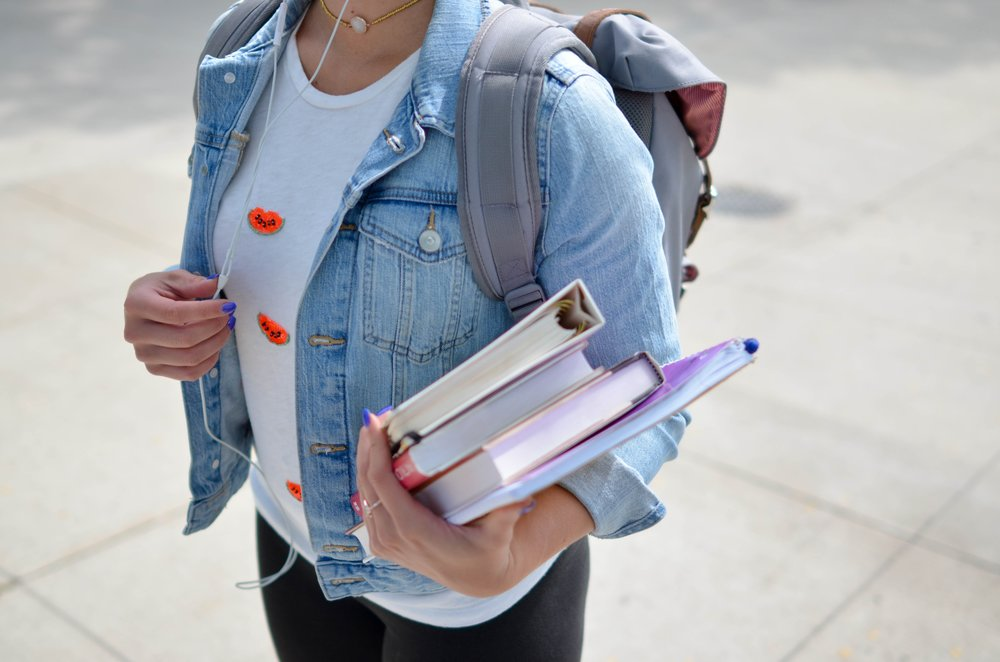 A Single Mom Survival Guide For Going Back to School