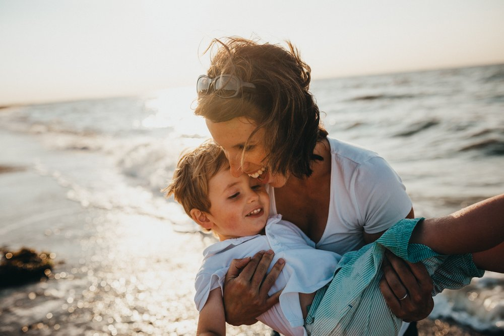 Life as a Single Mom - Get actionable tips and tricks for being a single mom. Find out how to conquer overwhelm, deal with the first days of single motherhood, co-parenting and so much more!