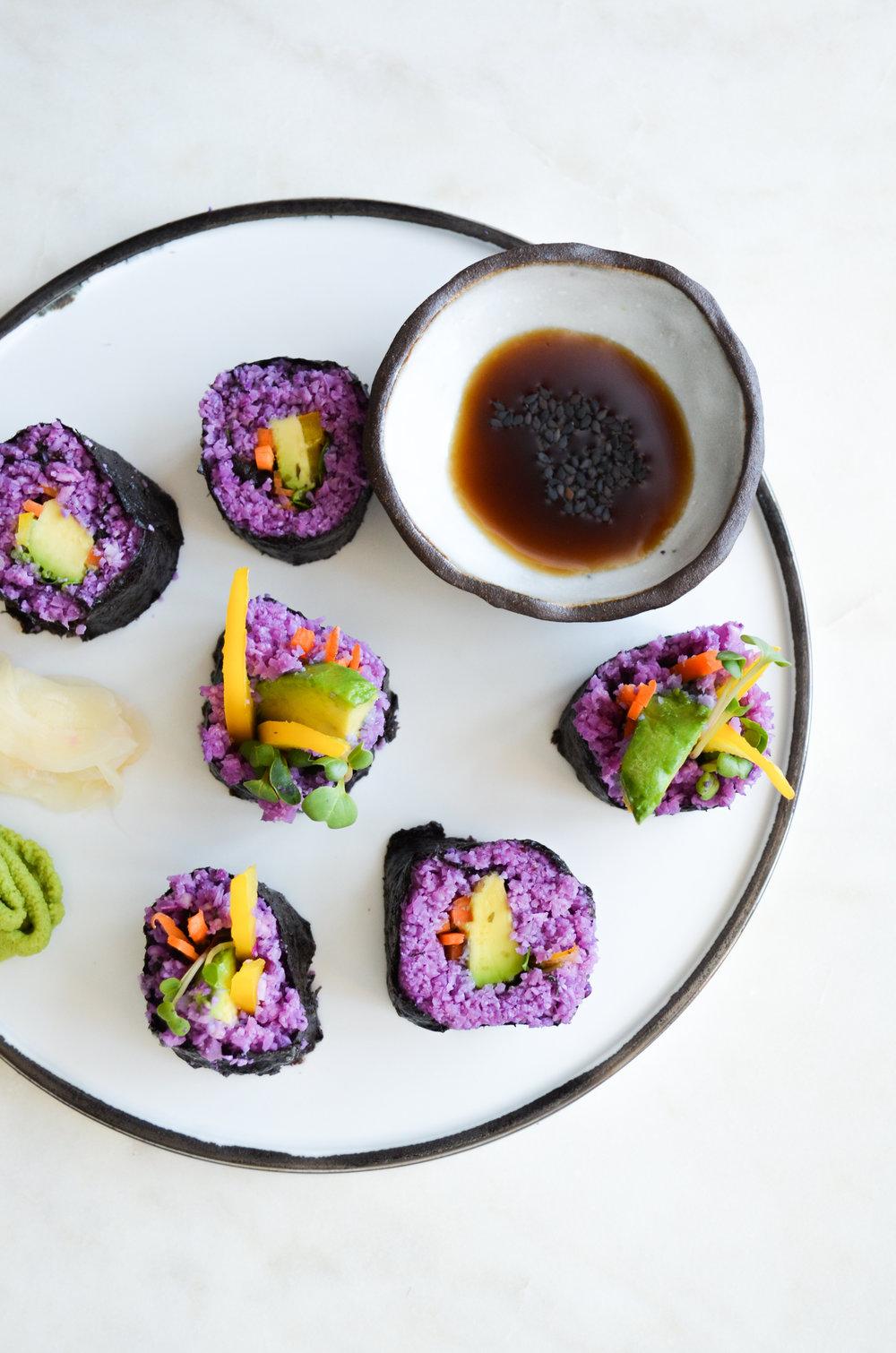 paleo cauliflower rice sushi // #cauliflowerrice ShiraRD #paleo #whole30 #vegan #SnacksbyShira