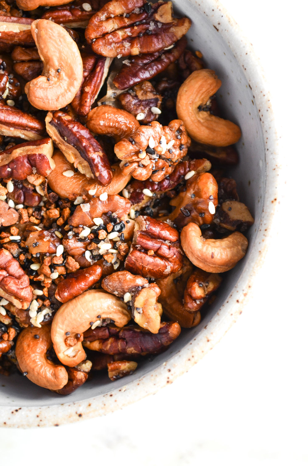 everything but the bagel roasted nuts // #ShiraRD #paleo #refinedsugarfree #SnacksbyShira