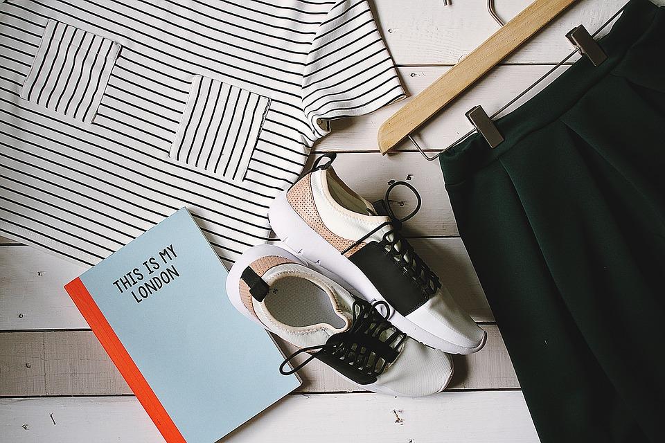 shoes-2591781_960_720.jpg