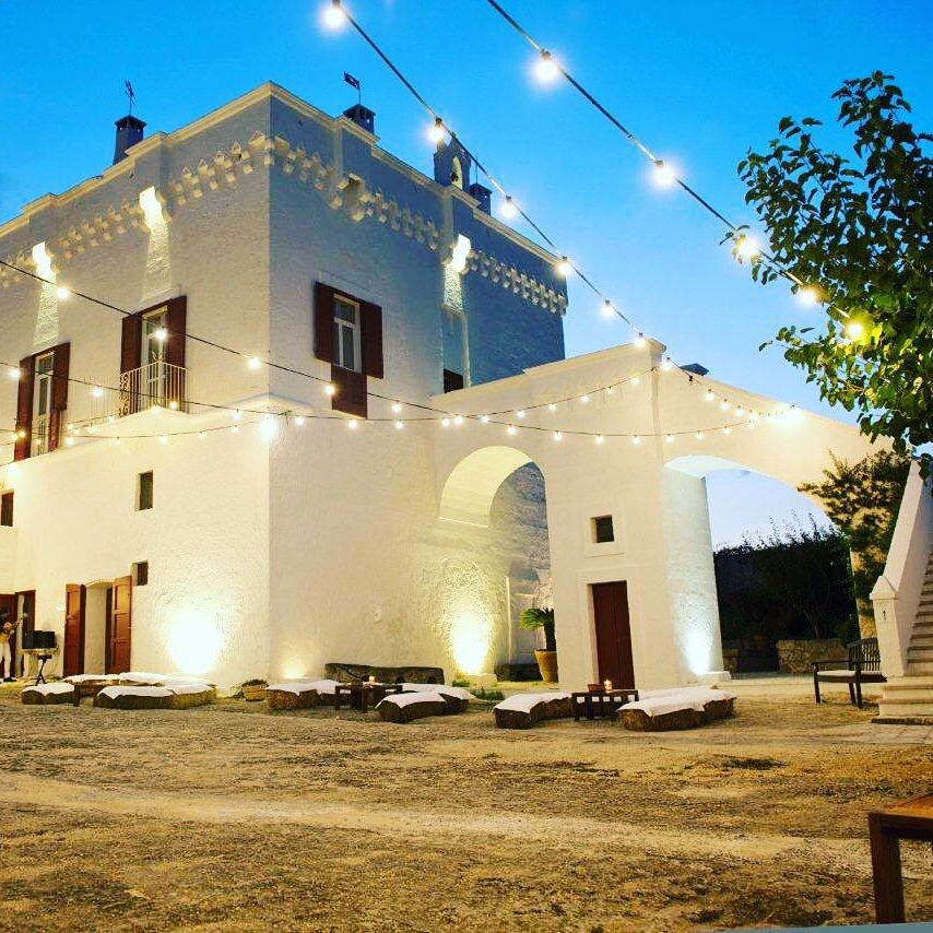 Seize the moods ofan ancient Masseria - Masseria Maizza Puglia style in a cosmopolitan atmosphere. From The Fortified Tower admire the vaste estate on the mediterranean sea. Enjoy a glass of Puglia Wine looking at the African Sunsets from our Arab Terrace.
