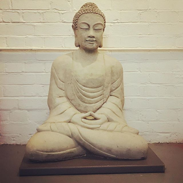 Feeling thankful for the beautiful, restorative Yin yoga workshop I had today with the wonderful @yogawithnorman at my favourite London studio, @theshalalondon . This peaceful Buddha was the first welcoming face I saw on arrival 😊🧘‍♀️🙏 . . . #yinyoga #restorativeyoga #normanblair #yinyang #findbalance #happybuddha #weekendvibes #yogainspiration #yogaeverydamnday #theshalalondon #yinyogalondon #yogastudioart #yogaartist #feelingthankful