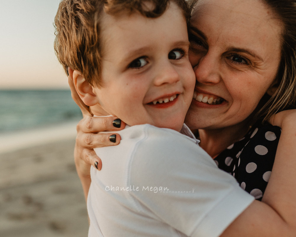Mummy and Me Portrait. Perth Family Photographer, Chanelle Megan Photographu