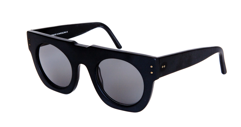 WILDE_SUNGLASSES_MODEL_168-2_ICONS_2.jpg