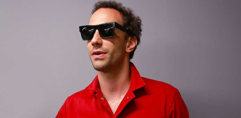 Wilde-Sunglasses-Occhiali-model-NAAKO-ALBERT-HAMMOND-THE-STROKES-Backstage-ss18-Barcelona_best_store-online-handmade-limited-editions_miglior-design-occhiali-da-sole-Barcelona_3.jpg