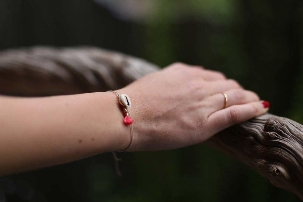 5.Dein Moment - Pack dein pöf pöf Armband aus und hab ab sofort deine schönsten Erinnerungen immer ganz nah bei dir.