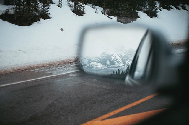 Looking back 🚗  #jaspernationalpark #jasper #endlesschain #highway93 #canada #vsco #vscocam #instatravel #alberta #tourismalberta #explore #explorecreate #winter #createandcapture #adventuretime #travelalberta #explorecanada #abparks