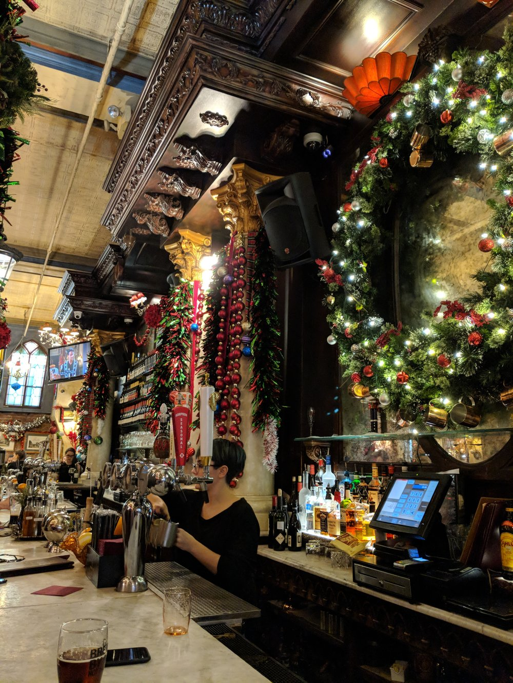 Highly recommended holiday bar/restaurant in Union Square....skip Rolf's (see in previous post) and head here. MUCH better experience!