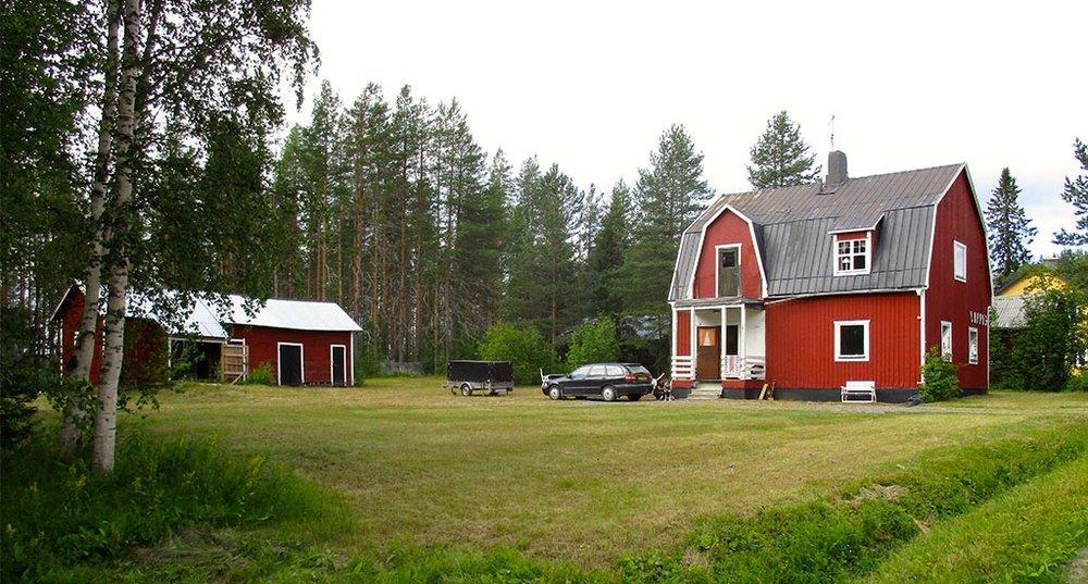 ACCOMMODATION STAVATRÄSK   Includes several Terraces, 6 parking lots, open fireplace, kitchen, winter isolation w/TV, Internet, Winter Isolation w/ heating