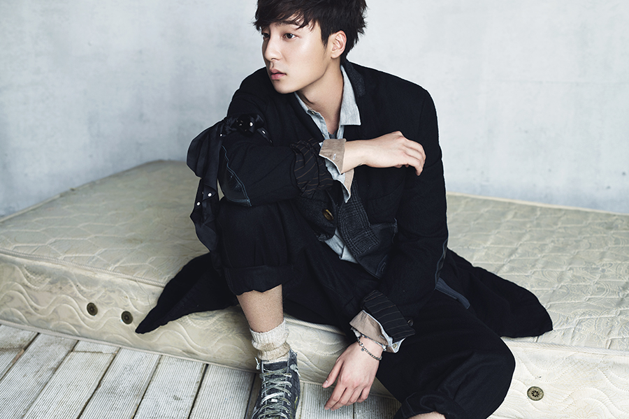 Roy Kim, 22 - Initially, Roy Kim might seem like your standard Georgetown University student, but he's also an incredibly talented guitar player. Three years ago, this rising star garnered attention for his amazing vocal performances in