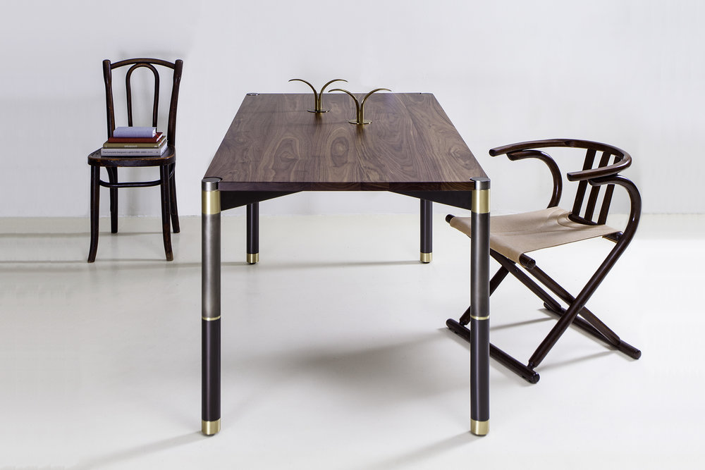 Avram_Rusu_Nova_Small_Dining_Table_2.jpg