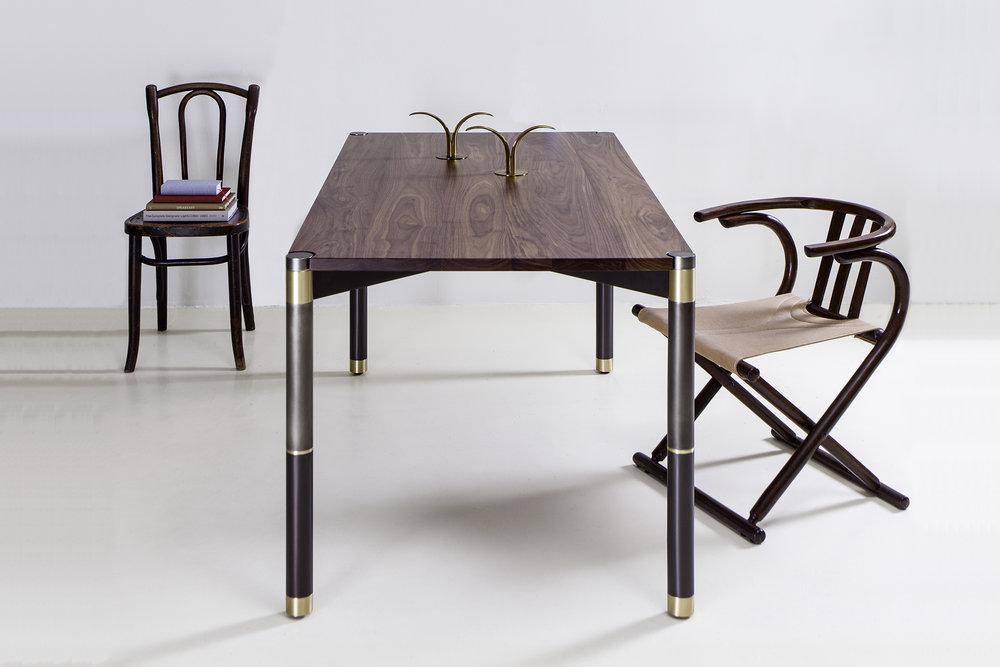 Avram_Rusu_Nova_Small_Dining_Table_2.jpg