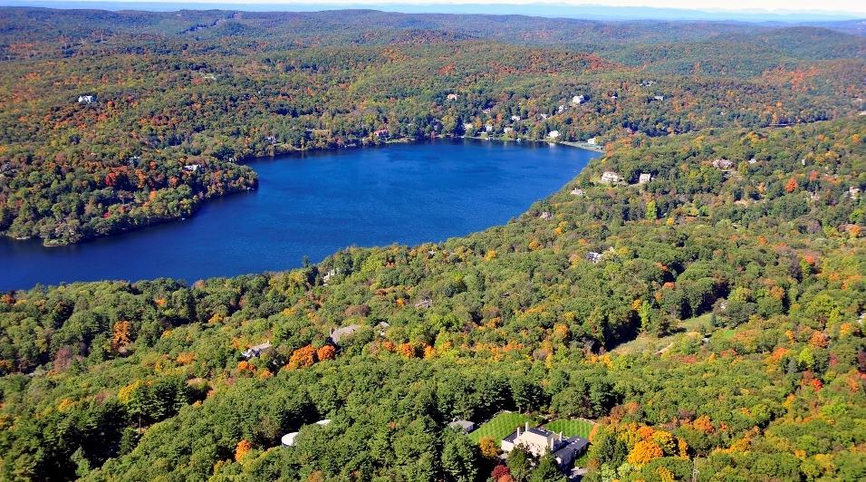Tuxedo Park with Lake.jpg
