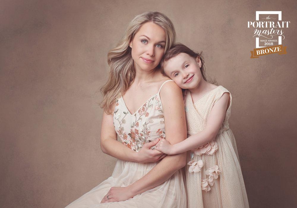 bronze-mother-daughter-biancamorelloportraits.jpg