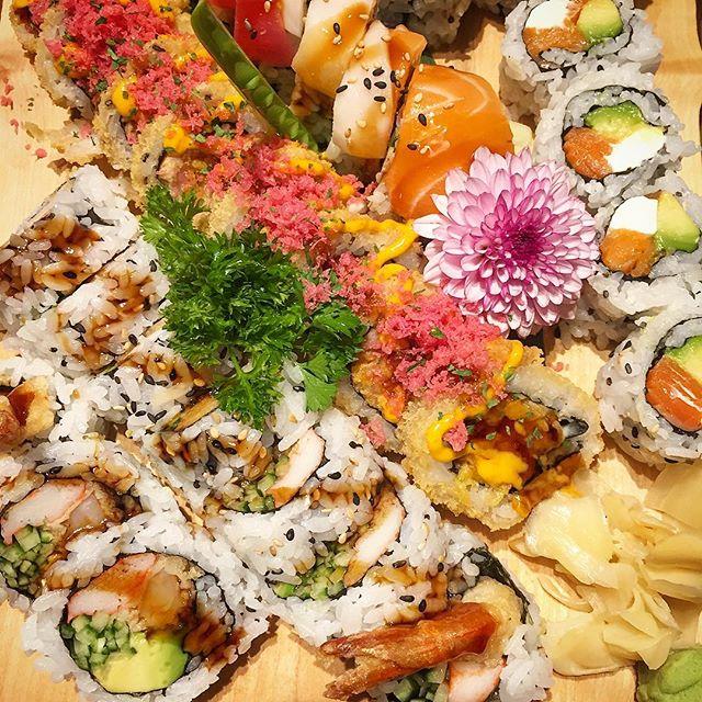 Enjoy the maki at the SUSHIBAR DA . . . #sushibarda #kingston #kingstondowntown #ontario #canada #canada🇨🇦 #japanesefood #sushi #sushitime #sushi🍣 #sushiroll #sushis #sushirolls #sushibar #sushiart #sushiya #sushiman #maki
