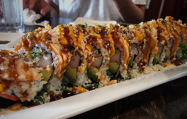 Dont let the Kingston heat stop you from getting this 10/10 Fire dragon roll  Dynamite roll topped with torched spicy salmon  #spoonuniversity #foodblogger #food #foodie #foodstagram #sushi #sushitime #sushilovers #kingston #kingstondowntown #sushibarda #dragonroll