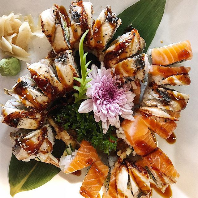 Black california or Legend dragon? Make your life easy and just get both 🕺  _  Black California: california roll topped with BBQ eel Legend Dragon: spider roll (deep fried soft shell crab) topped with salmon and BBQ eel  _  #salmon#unagi#sushi#sushi🍣 #sushiroll #sushibar #chef #foodporn #food #foodie #foodphotography #japanese #kingston