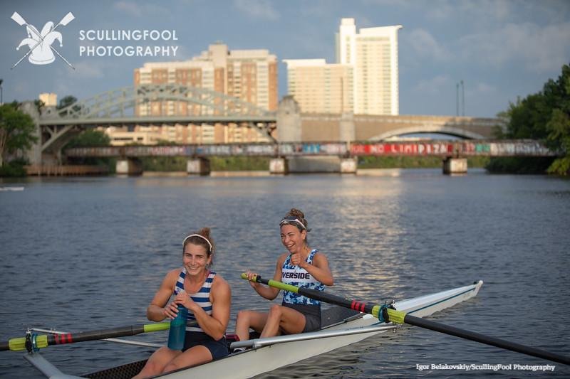 Jillian Zieff in stroke and Jen Sager in bow.