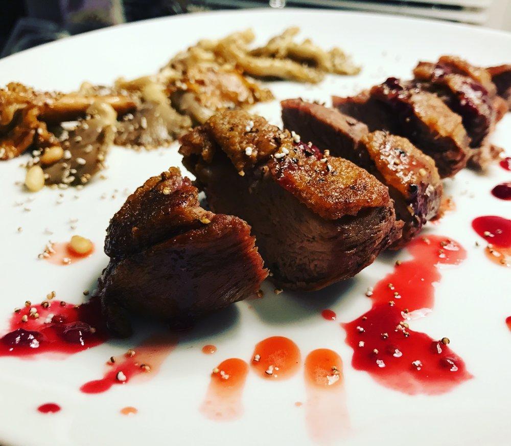 šaakani hiwwuni sokoote • bay laurel roasted duck breast