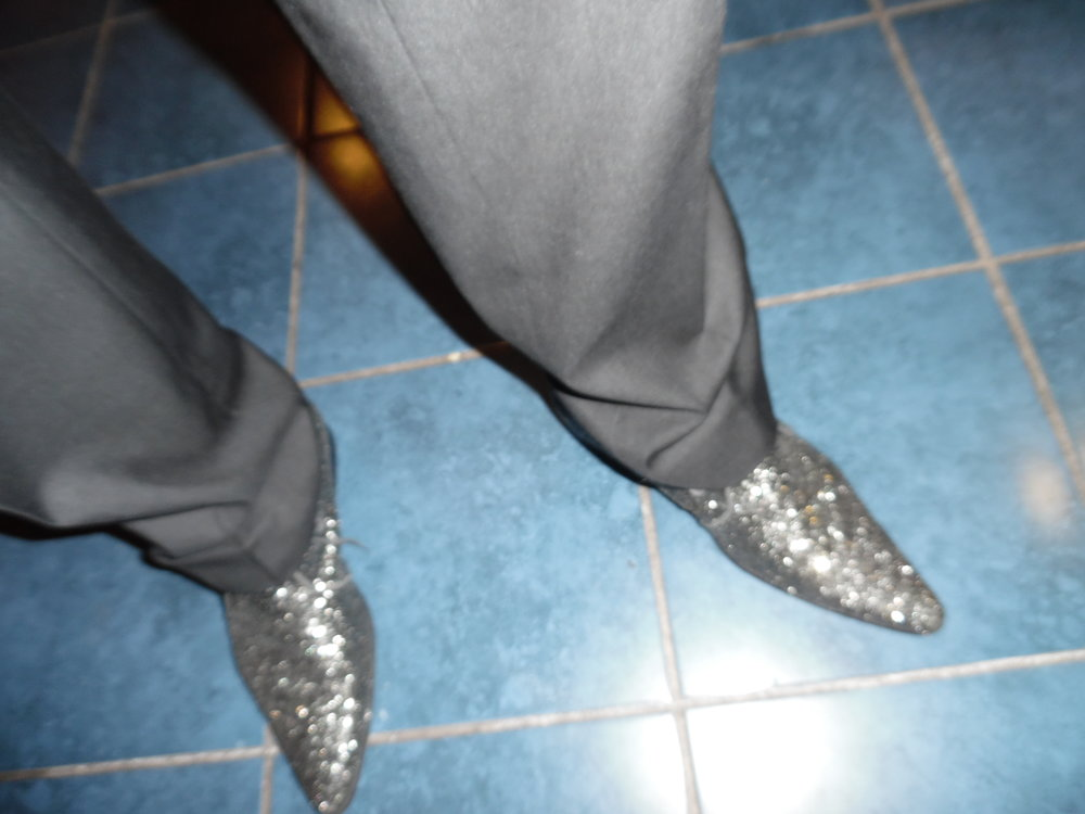ETA  Steve Michaels ' post concert, photo worthy shoes.  Woodbine Racetrack, Woodbine, ON 2016