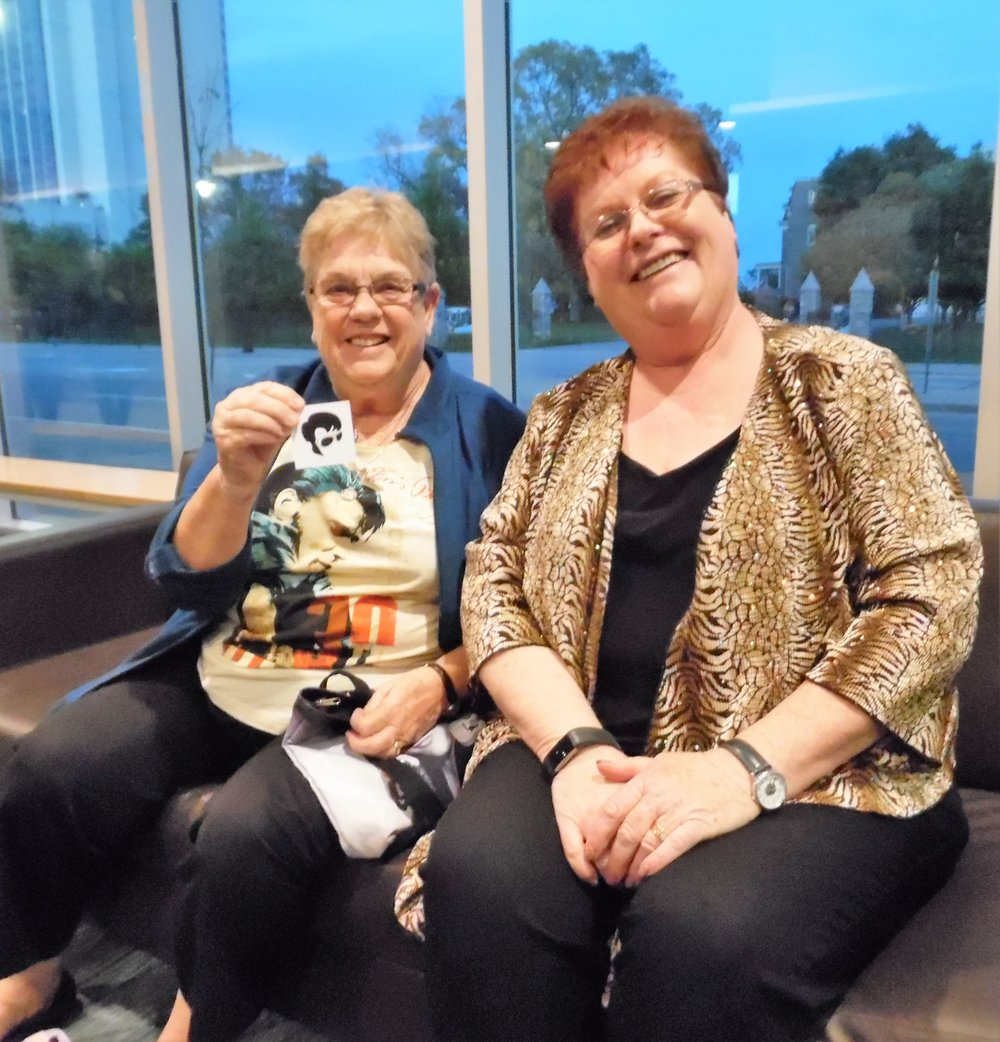 ETA fans Joan (left) and Cathy Wood in the lobby of the Scotiabank Convention Centre, Niagara Falls, October 21st, 2017 prior to  Gordon Hendricks ' concert.